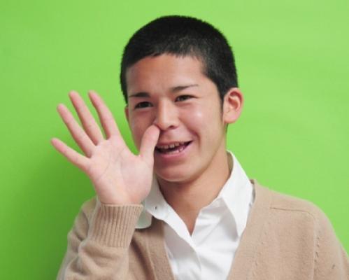2012年10月の菅谷哲也の歯並び
